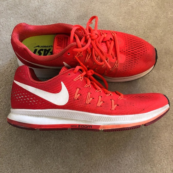 the latest 30a86 61b3a Women s Nike Air Zoom Pegasus 33 Running Shoe. M 5c7986a5d6dc521c1cd0beb1